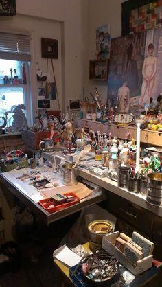 A Real artists studio; Mary-Lynne Moffatt Art Studio space for writers, artists, crafters, creatives. My Art Studio, Dream Studio, Studio Ideas, Painting Studio, Tables Shabby Chic, Artist Workspace, Dream Art, Space Crafts, Creative Studio