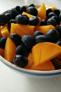 Heidelbeeren | Sharonfrucht