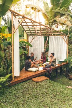 Hideout Bali – Wowow, Home! Bamboo Landscape, Landscape Design, Backyard Patio, Backyard Landscaping, Landscaping Ideas, Backyard Ideas, Bamboo House Design, Bamboo House Bali, Bali Garden
