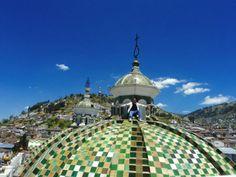 Sobre las cúpulas de la Iglesia de Santo Domingo #Quito - #Ecuador (Ago 2011)