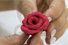 Aprenda a fazer uma Rosa de E.V.A Termoformada - Lojas Linna   Lojas Linna