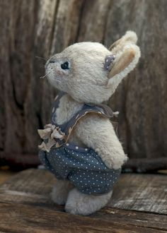 Sophie the bunny....Aaaw   I wish i could afford one for each of my girls.  Especially Emma.. This is right up her ally