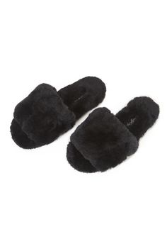 Snuggle your feet into blissfully comfortable Black Sheepskin Slipper Sliders. Created from an ultra-soft sheepskin and features a light yet durable sole that can be worn outside when necessary. The perfect gift for a loved one. Sheepskin Slippers, Black Fabric, Sliders, Cozy, Deep, London, Gift, Clothing, Outfits