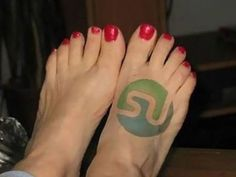 Stumble on the foot? Stumble upon the foot? Medium Tattoos, Popular Pins, Social Media, Nerd Tattoos, People, Social Networks, People Illustration, Social Media Tips, Folk