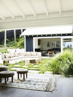 JUSTINE HUGH-JONES, INTERIOR DESIGNER #modernpoolhouse #OutdoorRoommoderninteriordesign