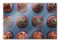 """Tableau en verre acrylique pour les gourmands ! """"Muffins pour anniversaire"""" sur www.wall-art.fr. Disponible en différentes tailles !"""