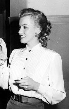 Marilyn Monroe on the set of All About Eve, 1950.