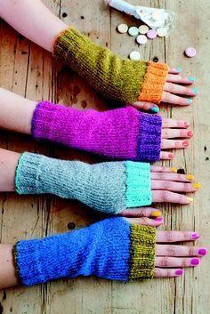 Ravelry: Wristwarmers with Contrast Rib pattern by Anna Wilkinson Wrist warmers, fingerless mitts. Fingerless Gloves Knitted, Crochet Gloves, Knit Mittens, Knit Or Crochet, Crochet Wrist Warmers, Knitted Boot Cuffs, Mittens Pattern, Loom Knitting, Hand Knitting