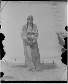 Daughter of Wolf Eagle - Blackfeet (Pikuni) - 1909