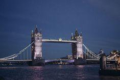 Inglaterra: Um final de semana em Londres e tudo que você pode conhecer em 48 horas Tower Bridge, Travel, Finals, Everything, England, London, Viajes, Destinations, Traveling