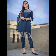 Stylish Dress Book, Stylish Dresses For Girls, Stylish Dress Designs, Simple Dresses, Casual Dresses, Fashion Dresses, Girls Dresses, Beautiful Pakistani Dresses, Pakistani Formal Dresses