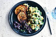 Boerenhutspot met filetlapjes en gebakken uien Low Calorie Dinners, 20 Min, Fun Cooking, Paella, Nom Nom, Meat, Chicken, Ethnic Recipes, Food