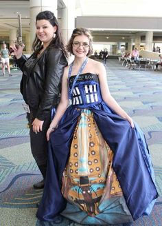 Human!Impala from Supernatural and a TARDIS from Doctor Who | 36 Delightfully Geeky Cosplays From LeakyCon #camiseta #cosplayer 2#camisetagratis #cosplay #friki #regalos #ofertas #ropaoferta