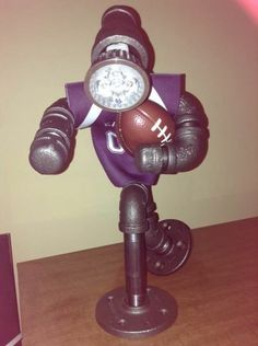 35 creative diy industrial pipe lamp design ideas robot to decor your home Pipe Lighting, Cool Lighting, Lighting Ideas, Lighting Design, Cool Lamps, Diy Lamps, Black Pipe, Steampunk Lamp, Scrap Metal Art