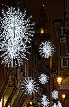 christmas all around .. X ღɱɧღ    Christmas in Bologna, Italy