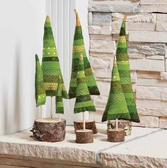 Leftover green scraps will make a whole forest of adorable scrappy Christmas trees - perfect for a mantel, centerpiece, or holday scene. Inspire by Valori Wells' flip-and-stitch technique, this easy project is sure to delight the entire family. Fabric Christmas Trees, Christmas Tree Pattern, Christmas Sewing, Xmas Tree, Diy Christmas Decorations Easy, Christmas Projects, Christmas Crafts, Christmas Ornaments, Christmas Makes