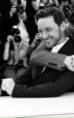 James McAvoy Looks a bit like Bill Holden here! Cute picture