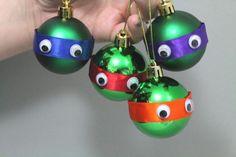 DIY Bastelideen für Weihnachtsbasteln mit Kindern, Geschenke selber machen, Turtles Weihnachtskugeln, Weihnachtsbaum-Schmuck basteln