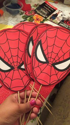 DIY Spider-Man Faces on glitter foam sheets By: Christina L. Trolls Birthday Party, Superhero Birthday Party, 4th Birthday Parties, Birthday Party Decorations, Boy Birthday, Spiderman Theme, Avengers Birthday, Aesthetic Dark, Aesthetic Vintage