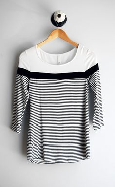 Black & White Stripe Tee || Such a perfect basic for your closet