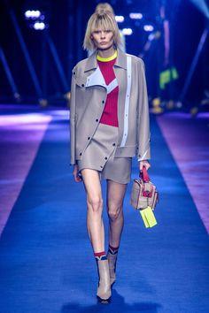 Milan Fashion Week: Versace SS17