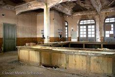 Lugares emblemáticos abandonados. La estación internacional de Canfranc. – El pensante
