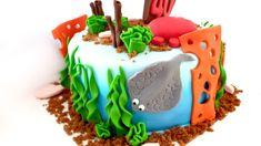 Les vacances approchent… partons faire de la plongée Birthday Cake, Desserts, Food, Brown Sugar, Sugar Paste, Vacation, Birthday Cakes, Meal, Deserts