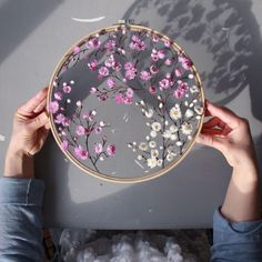Silk Ribbon Embroidery Rose Stitches into Silk Ribbon Embroidery Stitches Beginners Ribbon Embroidery Tutorial, Hand Embroidery Stitches, Silk Ribbon Embroidery, Embroidery Hoop Art, Embroidery Designs, Hand Stitching, Floral Embroidery Patterns, Simple Embroidery, Flower Embroidery