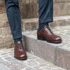 """""""Fashions fade, style is eternal."""" Yves Saint Laurent  Cicialardòn, our #oxford in reddish #brown leather available online at www.velasca.com. Link in profile to #shop.  #velascamilano #madeinitaly #shoes #shoesoftheday #shoesph #shoestagram #shoe #fashionable #mensfashion #menswear #gentlemen #mensshoes #shoegame #style #fashion #dapper #men #shoesforsale #shoesaddict #sprezzatura #dappermen #craftsmanship #handmade #crafts #craftsman #craftsph #artisan"""