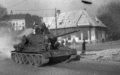 War in Budapest 1956 Europe Eu, Eastern Europe, Time And Tide, Military Armor, World Photo, Budapest Hungary, Cold War, Old Pictures, Historical Photos