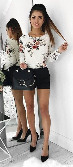 trendy outfit floral top + shorts + heels