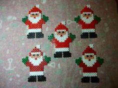 Image - Cornets pour noël avec des sujets bonhomme de neige et papa noël en perles hama - Blog de mes-petites-creations-13 - Skyrock.com