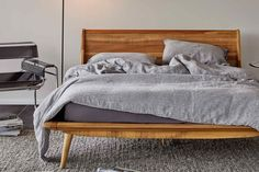 minimalist scandinavian bedroom for small rooms master for bolig bed 16 unique modern bedroom design ideas for your inspiration scandinavian bedroom Modern Apartment Decor, Home Decor Bedroom, Bedroom Furniture, Furniture Design, Design Bedroom, Bedroom Ideas, Bedroom Bed, Master Bedroom, Wood Furniture
