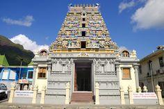 Viaje de Novios a Seychelles: Qué ver en las Isla de Mahé. En Mahé encontrarés también único templo hinduista de las Islas Seychelles, el templo de Arul Mihu Navasakthi Vinayagar, construido en 1992. Recibe su nombre en honor al dios hinduista de la prosperidad y seguridad.  #ViajeDeNovios #LunaDeMiel #Seychelles