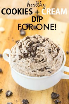 Healthy Cookies and Cream Dip for ONE! Smooth, creamy and sinfully nutritious, this quick and easy dip is packed full of the healthy stuff WITHOUT tasting healthy! Paleo Dessert, Gluten Free Desserts, Healthy Desserts, Dessert Recipes, Vegetarian Desserts, Healthy Dips, Vegan Snacks, Easy Desserts, Healthy Cookies