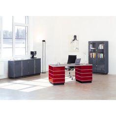 Müller TB 228-3 bureau 175x80. Het solide design geeft het bureau een elegantie die nog generaties mee zal gaan. #Müller #bureau #bureaus #Duitsdesign #design #Flinders