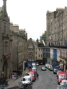 Edinburgh, Scotland - Top 5 Photos of Favorite Cities Around the World: http://thereandbackagaintravel.com/travel-pinspiration-favorite-cities/