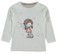 Meisjes tshirt NITJINA van het merk Name-it. Witte (snow white) tshirt met een lange mouw en ronde hals. De shirt is vervaardigd uit organisch katoen met een tekening van een meisje met een tennis raket.