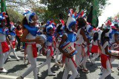 Desfile del carnaval infantil llena de colorido el malecón de Santo Domingo | NOTICIAS AL TIEMPO