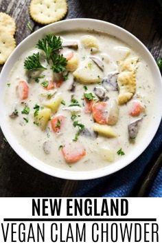 Enjoy a belly-warming and comforting bowl of this New England Vegan Clam Chowder. It is rich and healthy and will only take you 30 minutes to make. #veganhuggs #vegansoup #comfortfood Potato Leek Soup, Butternut Squash Soup, Vegan French Onion Soup, Clam Chowder, Meatless Recipes, Vegan Soups, Comfortfood, Curries, Chili Recipes