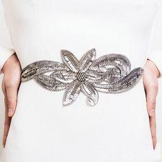 Ideas - Tocados (y cinturones) para novias etéreas  97dae0f7018f