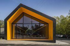 RENOVA Store & Theatre / Phyd Arquitectura