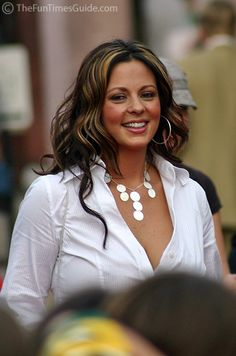 Sara Evans - Sara, all I can say is… You go girl! Country Women, Country Girls, Beautiful Long Hair, Gorgeous Women, Country Female Singers, Country Artists, Sara Evans, Thing 1, Shabby Chic