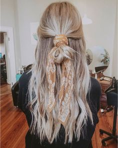 27 Scarf Hairstyles – Pretty Ways To Style Your Hair With A Scarf - Hair and Beauty eye makeup Ideas To Try - Nail Art Design Ideas Hair Scarf Styles, Curly Hair Styles, Natural Hair Styles, Hair Styles Casual, Updo Styles, Hair Down Styles, Hair Styles With Bandanas, Natural Updo, Natural Lips