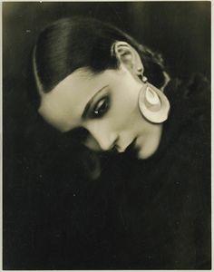 George F. Cannons, Portrait of Dolores del Rio, 1920's. @designerwallace