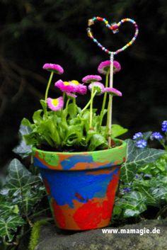 Bunter Blumentopf mit Blumenstecker   Projekte   Mach mal