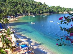 Mismaloya Beach http://www.puertovallarta.net/what_to_do/mismaloya.php #vallarta #puertovallarta #mexico