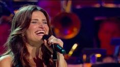 Idina Menzel - Defying Gravity (from LIVE: Barefoot at the Symphony) - YouTube