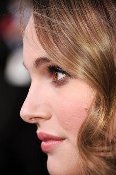 Natalie portman : Face Close Up www.larrywood.weebly.com