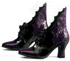 http://entertainingmadesimple.files.wordpress.com/2010/05/bat-shoes.gif